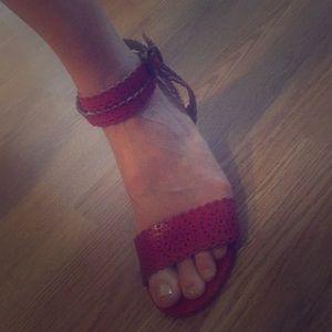 Barely worn super cute wedge sandals!!
